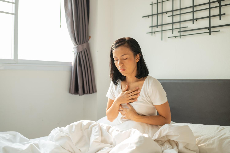 Reflusso gastroesofageo: cause, sintomi e cura